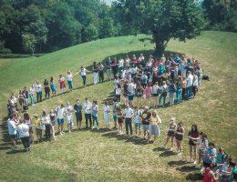 Es gibt so vieles, was uns verbindet: Die AvH-Menschenkette
